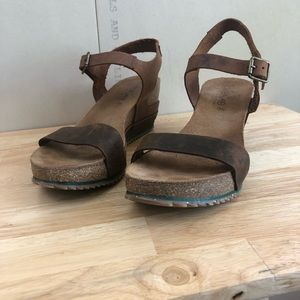 TakeMe Distressed Leather Sandals